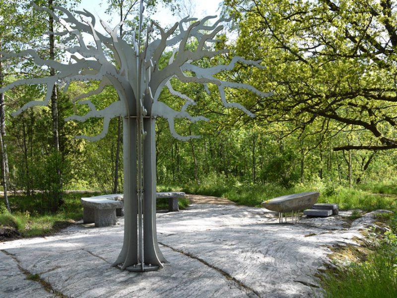 Minnesträd på Håjum begravningsplats
