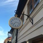 Fredriksdals-museum-skyltar-gyllene-klocka-handske-Hede-Atelje2
