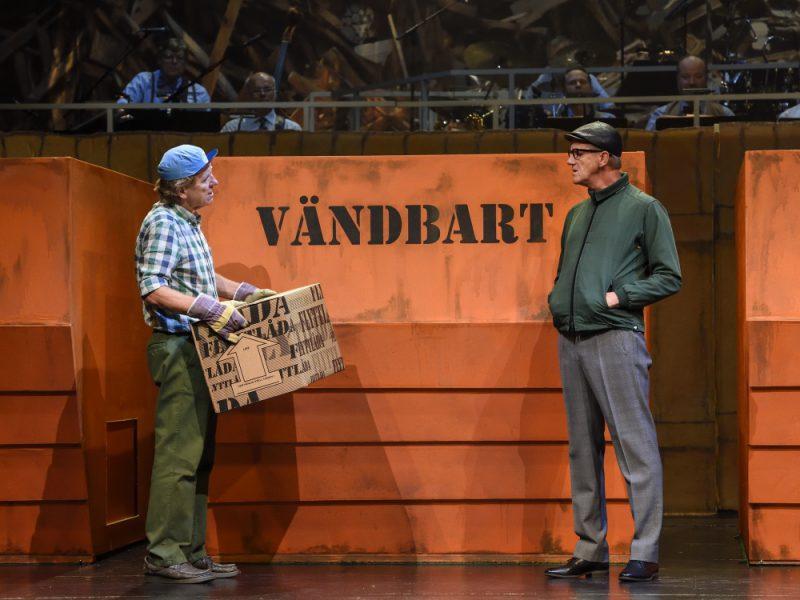 Spargrisar och slit och släng på Lorensbergsteatern – Galenskaparnas nya revy